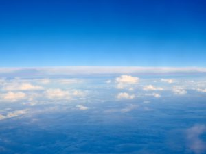 雲はなぜ落ちないの?